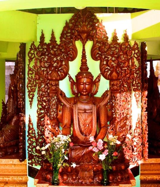 shwedagon umbrella buddha