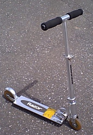 Early_razor_scooter